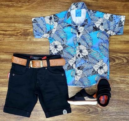 Bermuda Preta com Camisa Floral Infantil