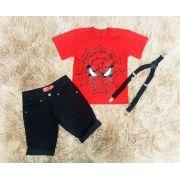 Bermuda Preta Jeans com Suspensório e Camiseta Homem Aranha