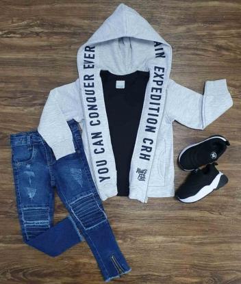 Blusa com Camiseta Preta e Calça Jeans Infantil