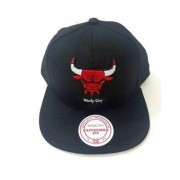 Boné preto Bulls