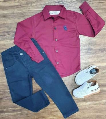 Calça Azul Marinho com Camisa Social Vinho Manga Longa