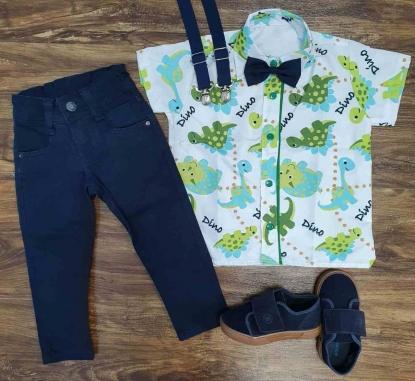 Calça Azul Marinho com Suspensório e Camisa Dinossauros com Gravata