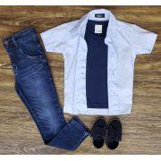 Calça Jeans com Camiseta e Camisa