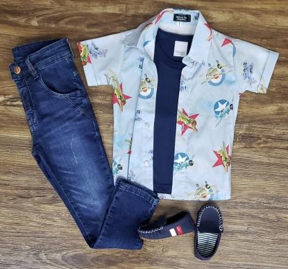 Calça Jeans com Camiseta e Camisa Aviões