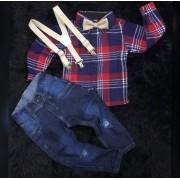 Calça Jeans com Suspensório Bege e Camisa Xadrez com Gravata Bege