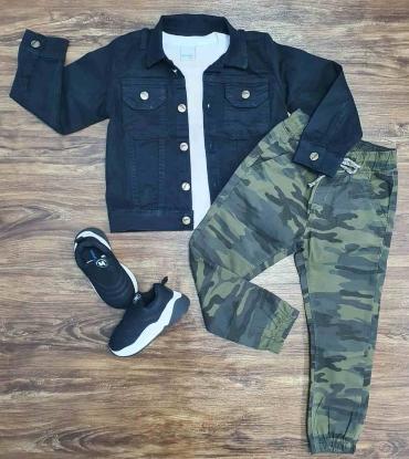 Calça Jogger Camuflada com Camiseta e Jaqueta Jeans Preta Infantil