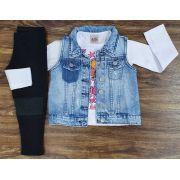 Calça Preta com Blusa Manga Longa e Colete Jeans