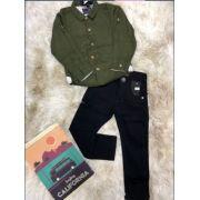 Calça Preta com Camisa Manga Longa Verde