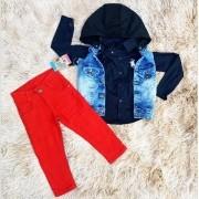 Calça Vermelha com Camisa Social Azul e Colete