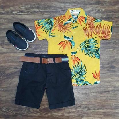 Camisa Amarela Floral com Bermuda Preta Infantil
