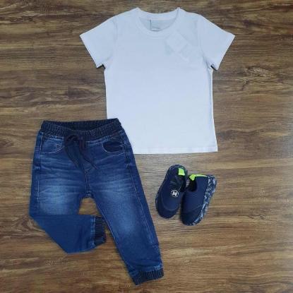 Camisa Branca Básica com Calça Jogger Infantil
