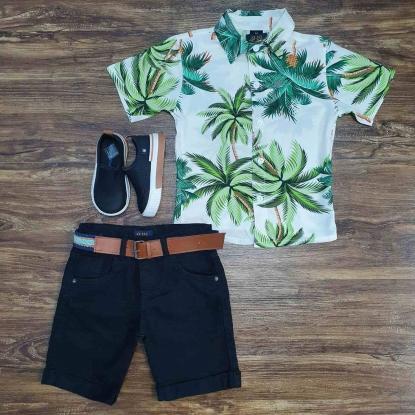 Camisa Floral Branca e Verde com Bermuda Preta Infantil