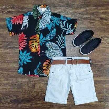 Camisa Floral Colorida com Bermuda Branca Infantil