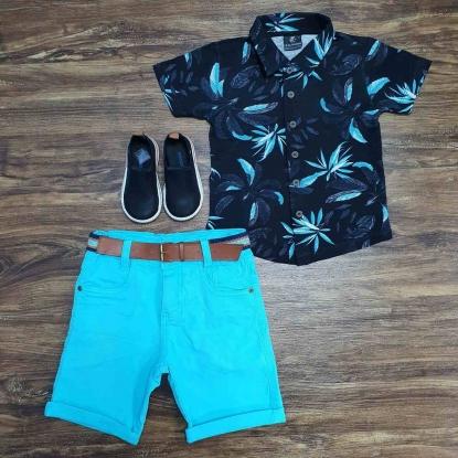 Camisa Floral Preta com Bermuda Azul Infantil