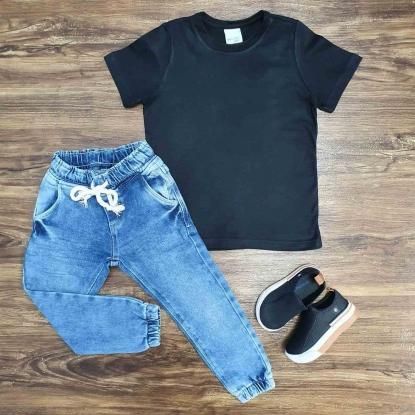 Camiseta Básica Preta com Calça Jogger Infantil
