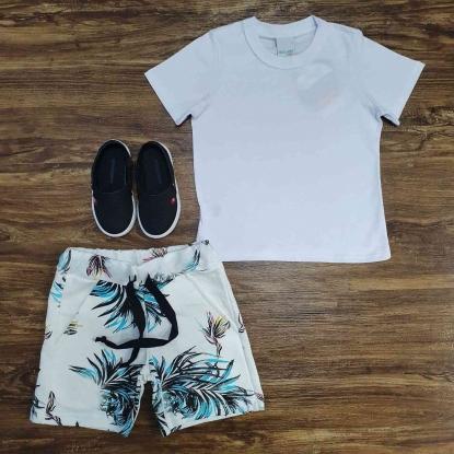 Camiseta Branca Básica com Bermuda Floral Infantil