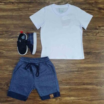 Camiseta Branca Básica com Bermuda Moletom Azul Infantil