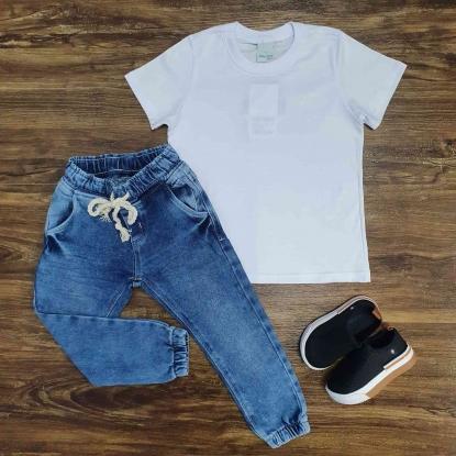 Camiseta Branca Básica com Calça Jogger Infantil