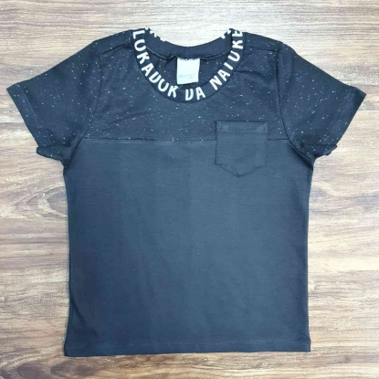 Camiseta com Bolso Preta Manga Curta Infantil
