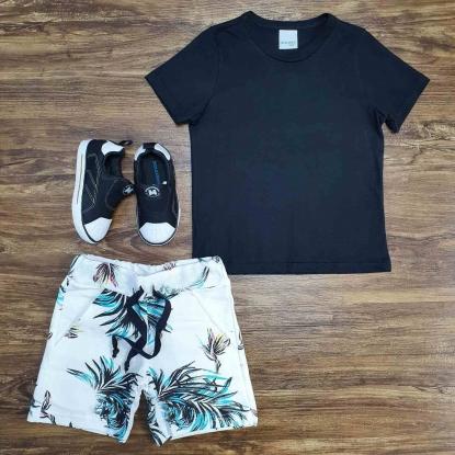 Camiseta Preta Básica com Bermuda Moletom Infantil
