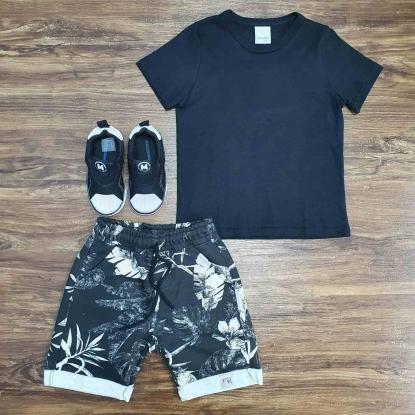 Camiseta Preta com Bermuda Moletom Folhas Infantil