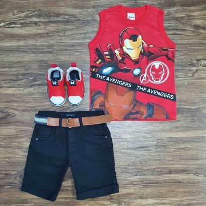 Camiseta Vermelha Avengers com Bermuda Preta Infantil