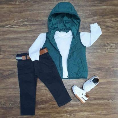 Colete Verde com Capuz mais Camiseta e Calça Jeans Infantil