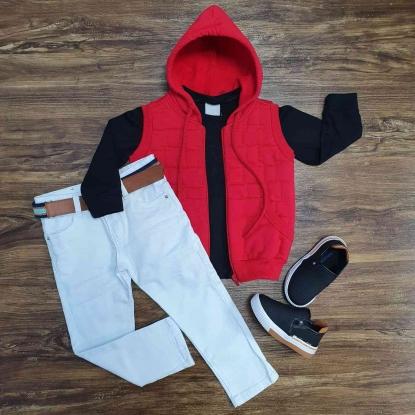 Colete Vermelho com Capuz mais Camiseta e Calça Jeans Infantil