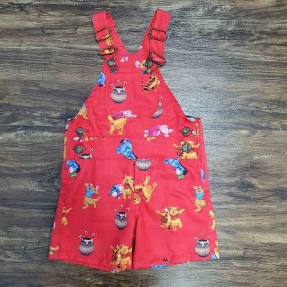 Jardineira Ursinho Pooh Vermelha Infantil