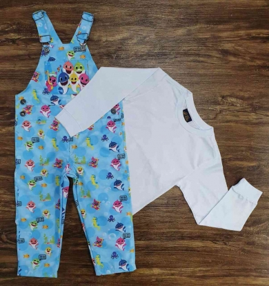 Look Baby Shark com Camiseta e Jardineira Calça Infantil