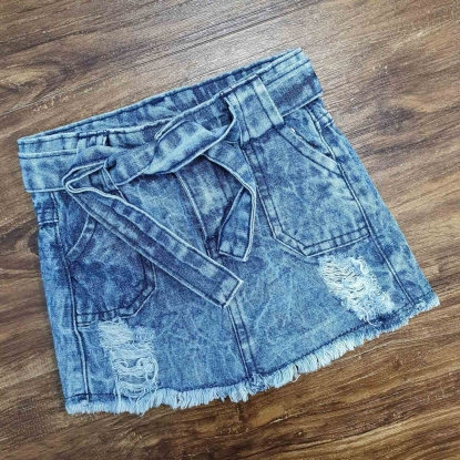 Shorts Com Detalhes no Jeans Infantil