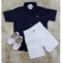 Bermuda Branca com Camisa Social Manga Curta Azul Marinho