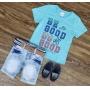 Bermuda Jeans com Camiseta Azul Clara