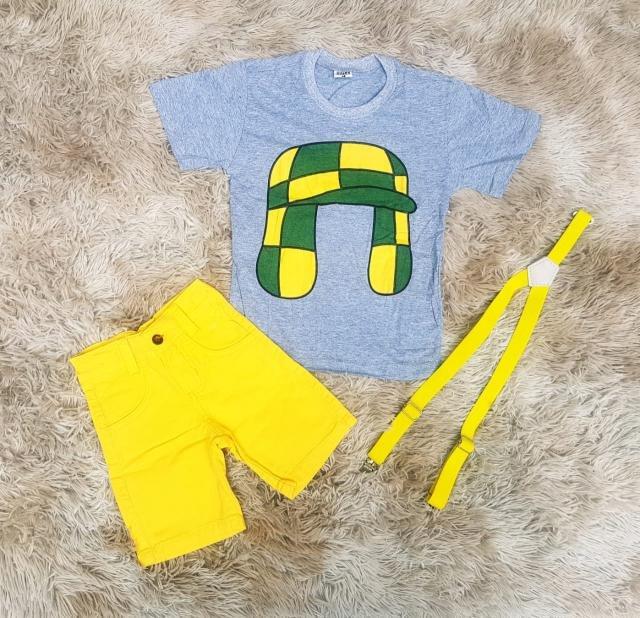 Bermuda Amarela com Suspensório e Camiseta Chaves