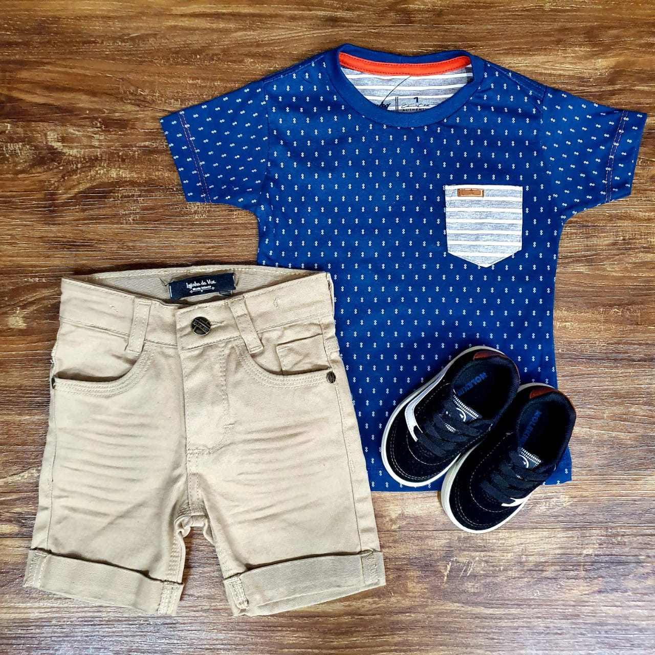 Bermuda Areia e Camiseta Azul com Bolso