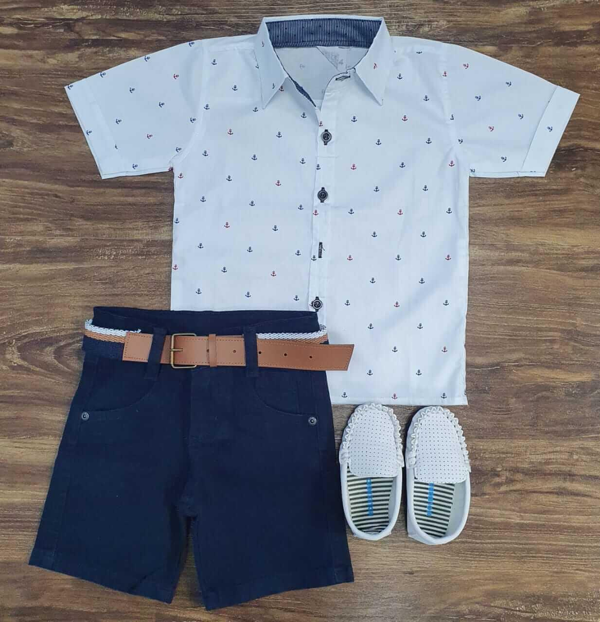 Bermuda Azul Marinho com Camisa Âncoras