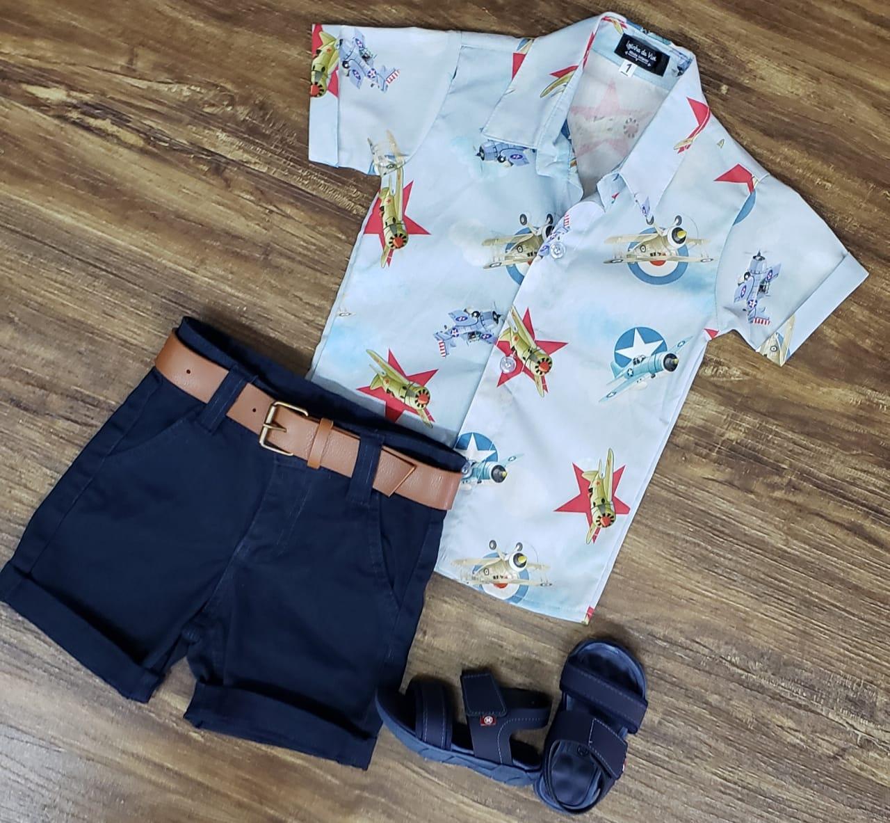 Bermuda Azul Marinho com Camisa Aviões