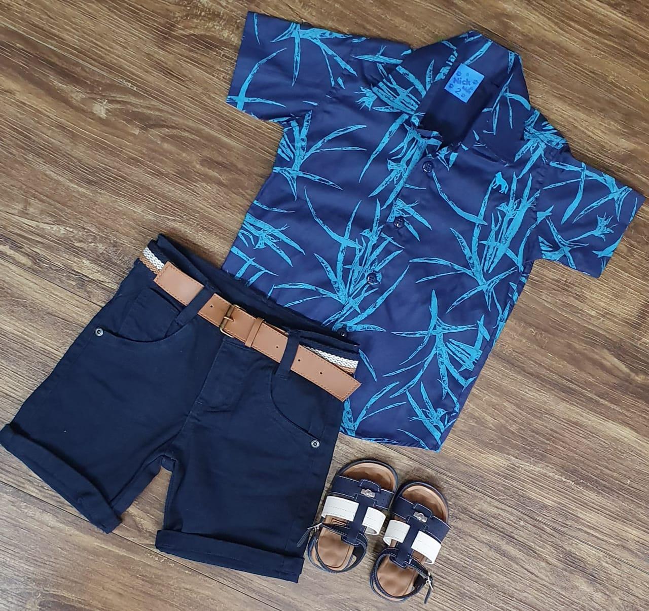 Bermuda Azul Marinho com Camisa Azul Floral Infantil