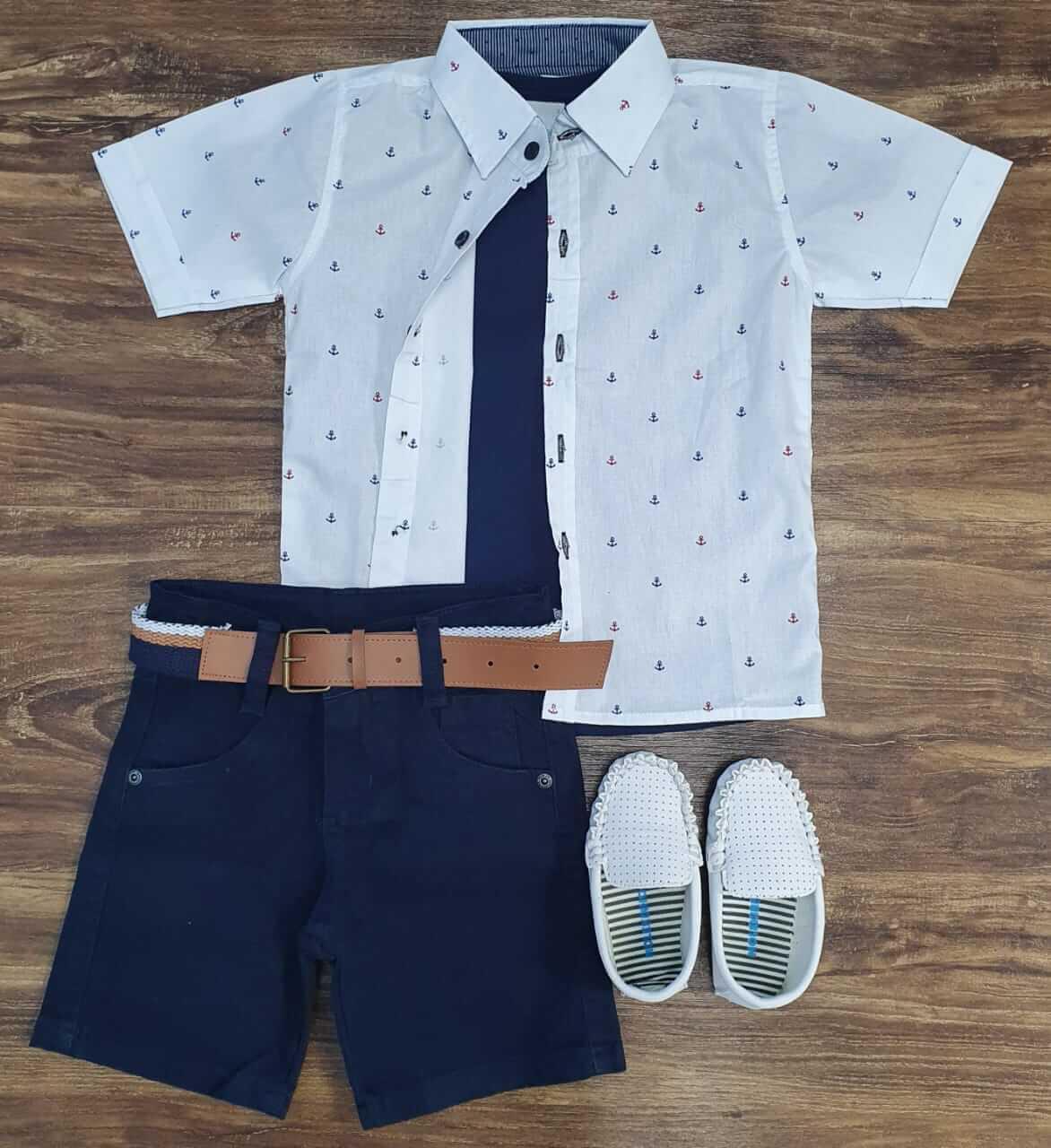 Bermuda Azul Marinho com Camiseta e Camisa Âncoras