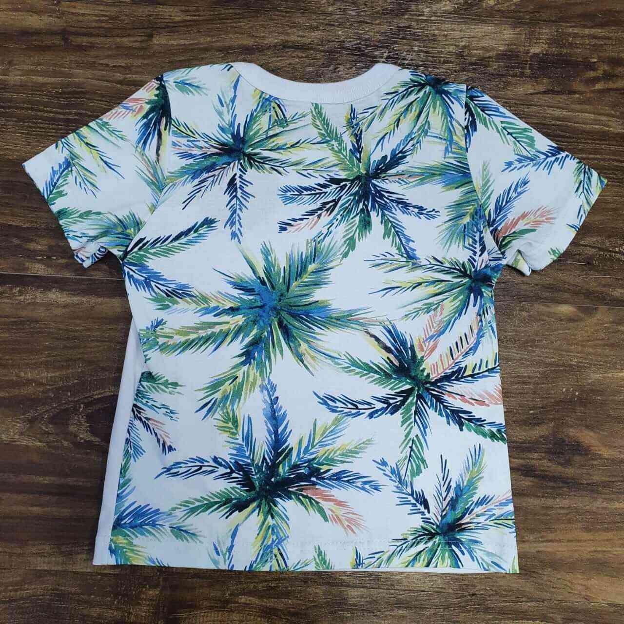 Bermuda Azul Marinho com Camiseta Floral Infantil