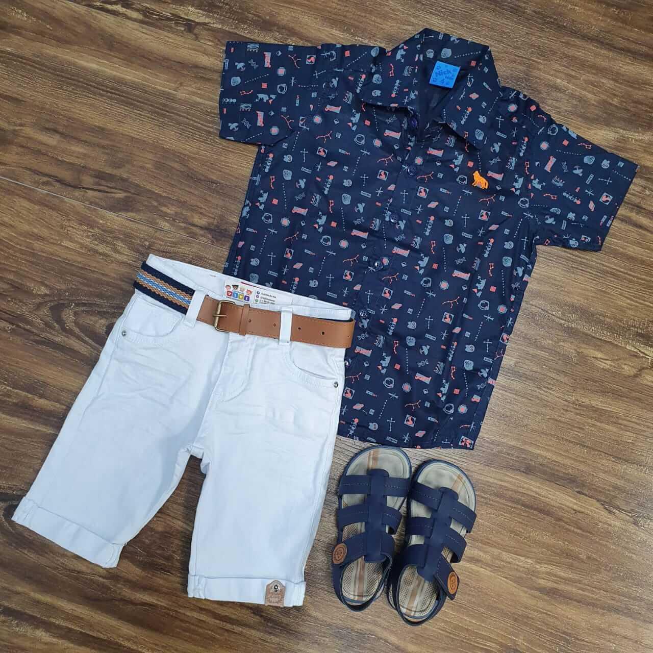 Bermuda Branca com Camisa Azul Marinho Infantil