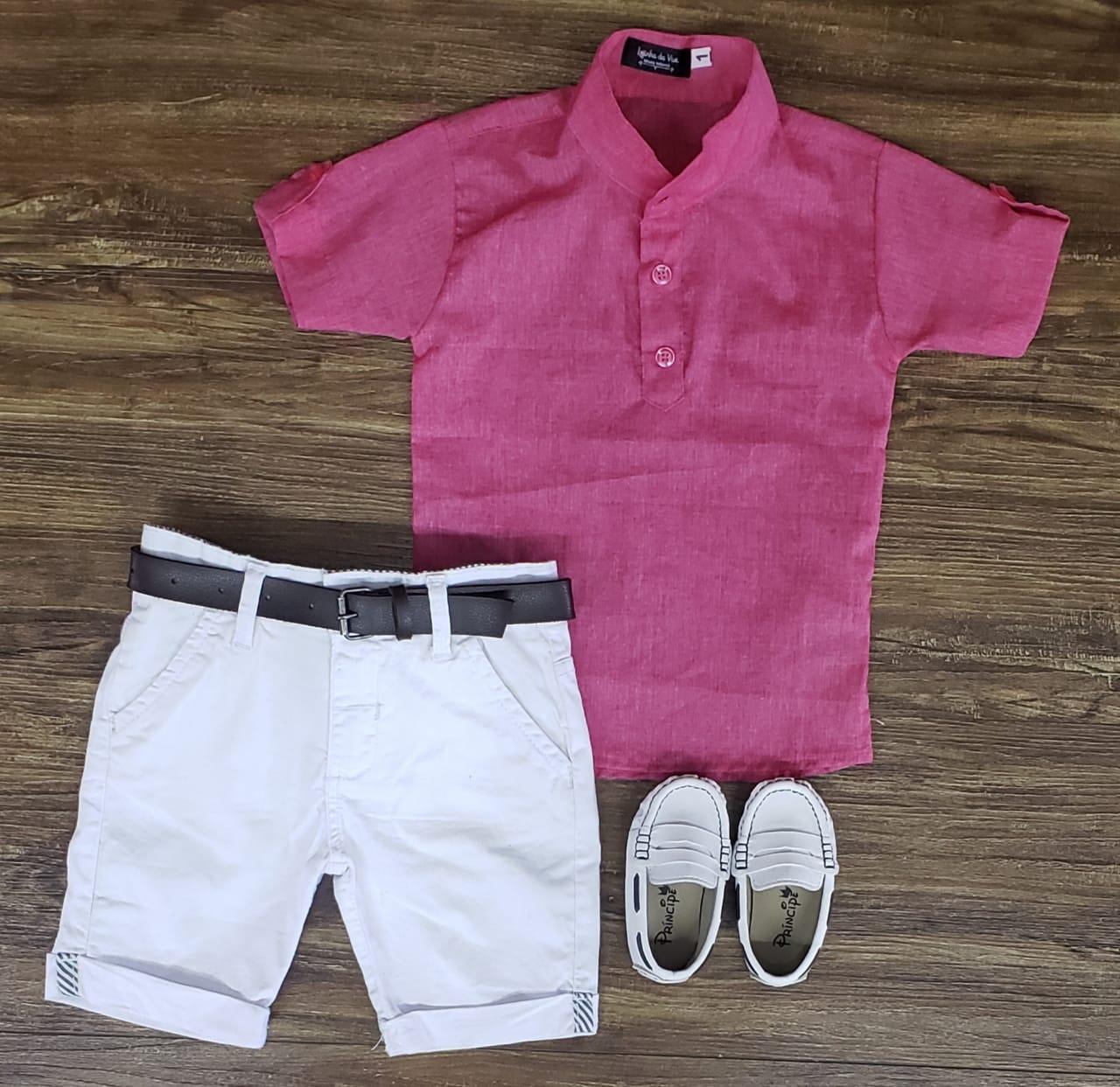 Bermuda Branca com Camisa Bata Rosa