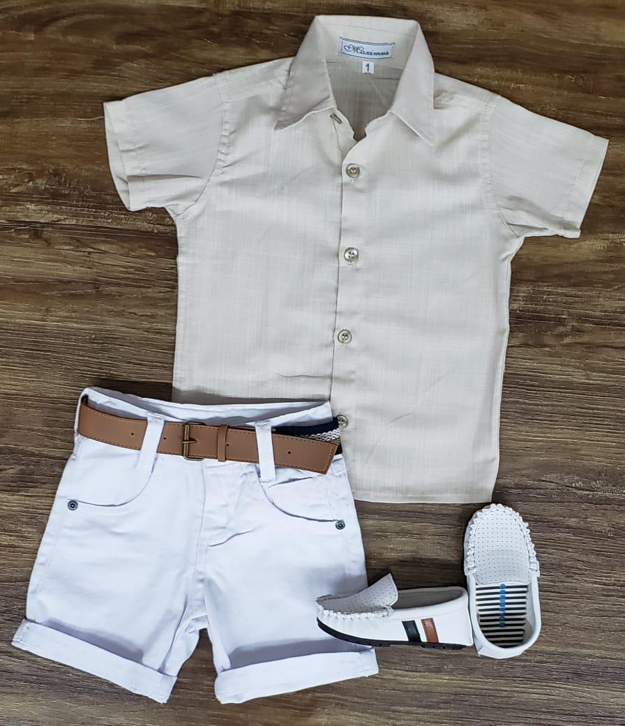 Bermuda Branca com Camisa Bege