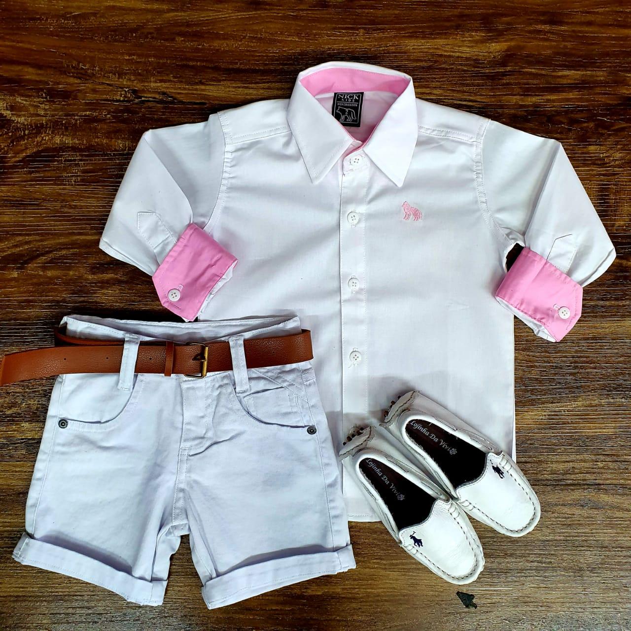 Bermuda Branca com Camisa Branca Manga Longa