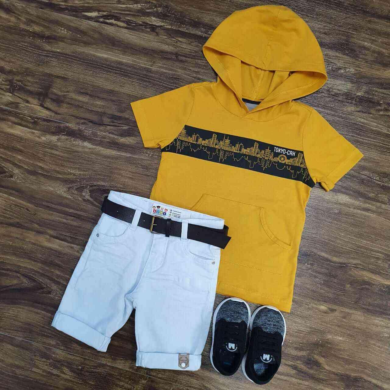 Bermuda Branca com Camiseta Amarela com Capuz Infantil