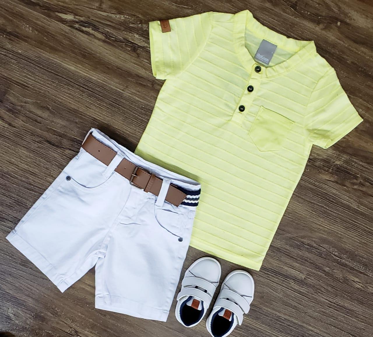 Bermuda Branca com Camiseta Bata Amarela