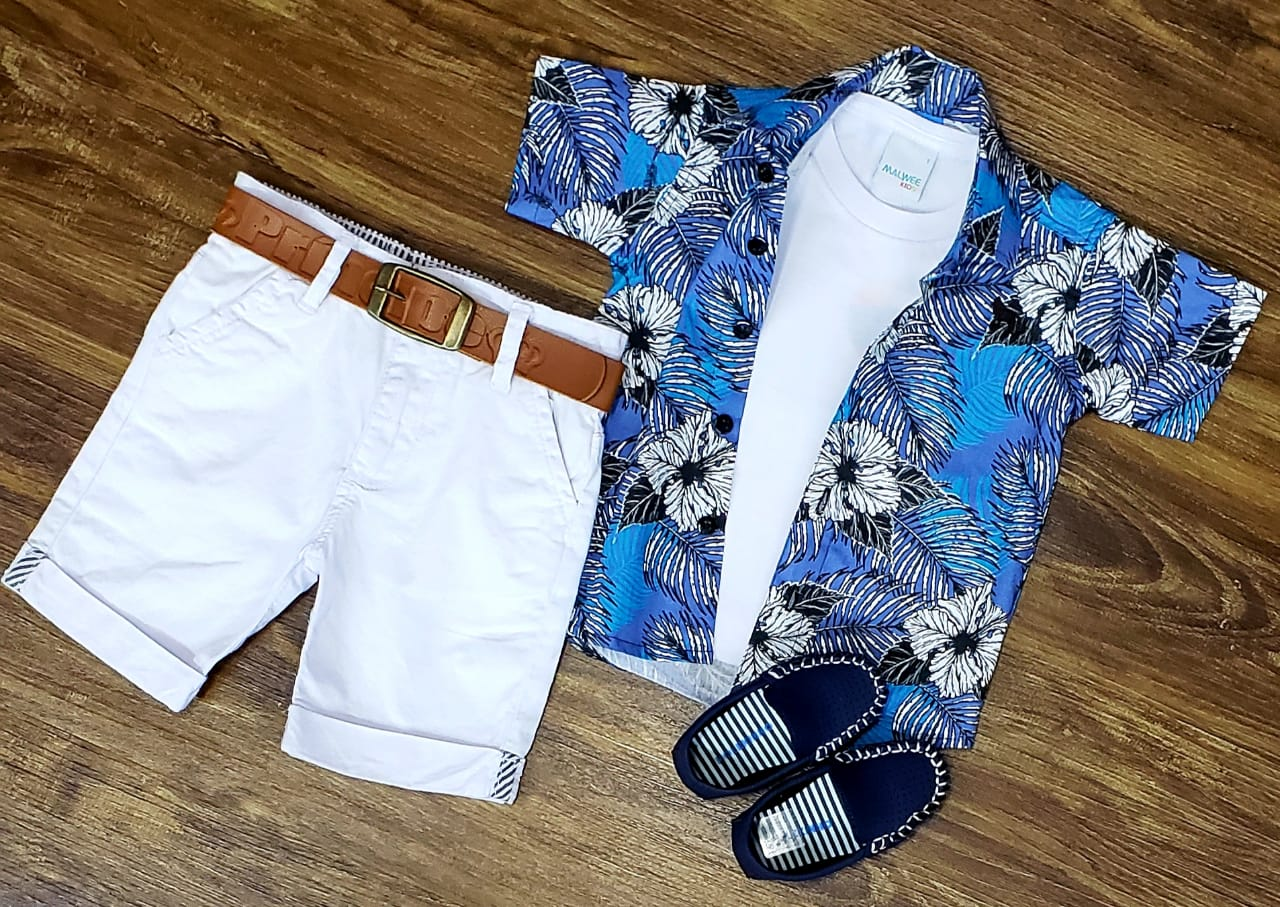 Bermuda Branca com Camiseta Branca com Camisa Floral Infantil