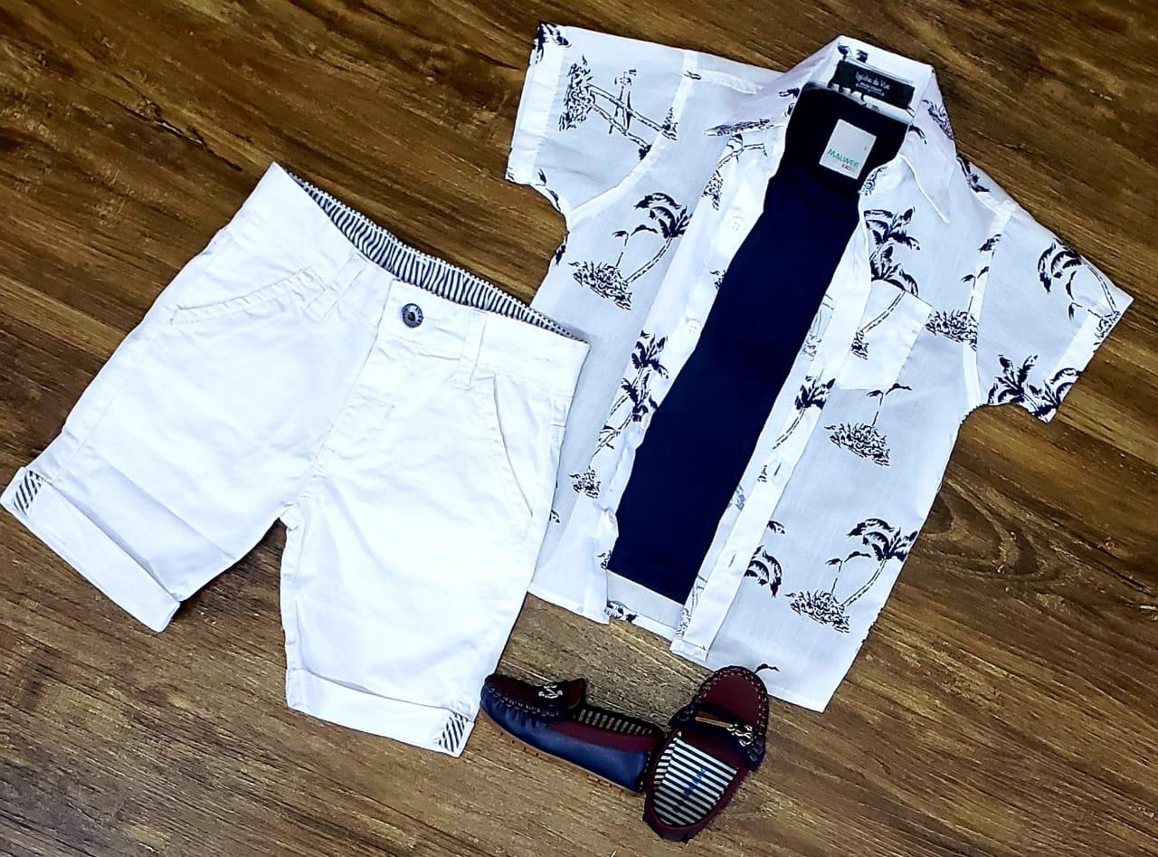 Bermuda Branca com Camiseta e Camisa Coqueiro