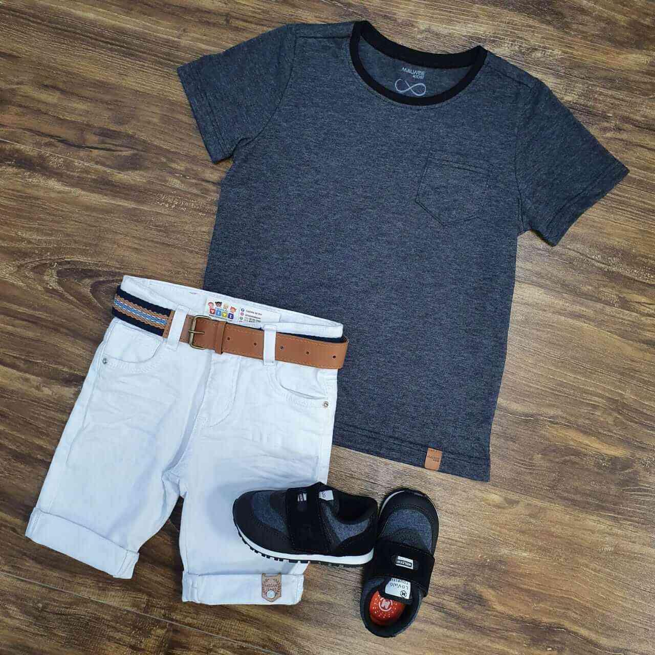 Bermuda Branca com Camiseta Preta com Bolso Infantil