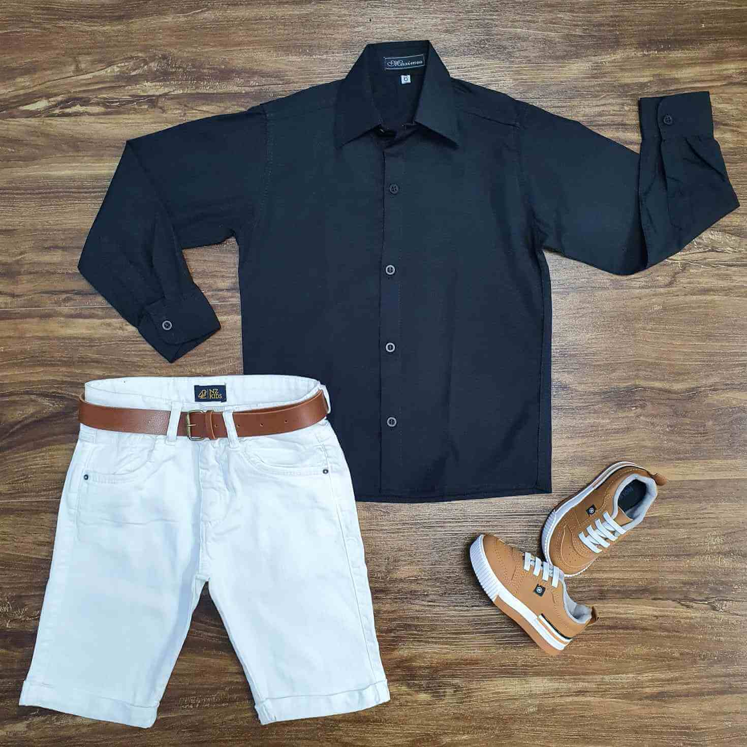 Bermuda Branca com Suspensório e Camisa Manga Longa com Gravata